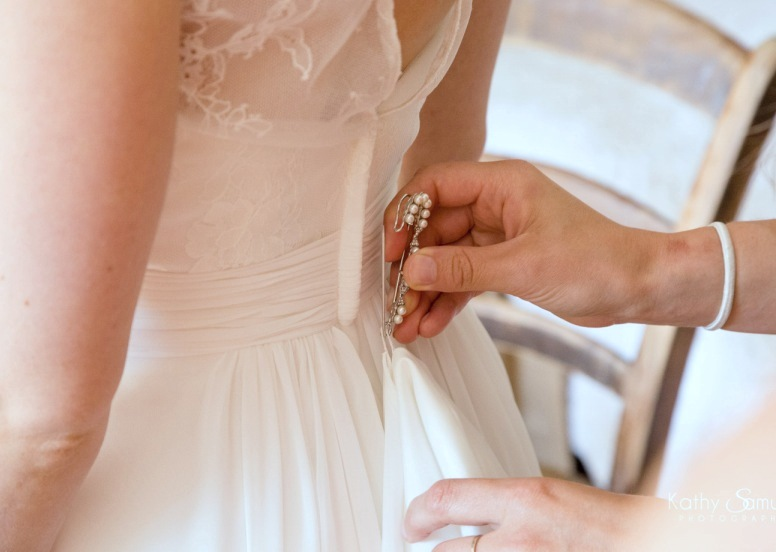 Wedding dress train pin