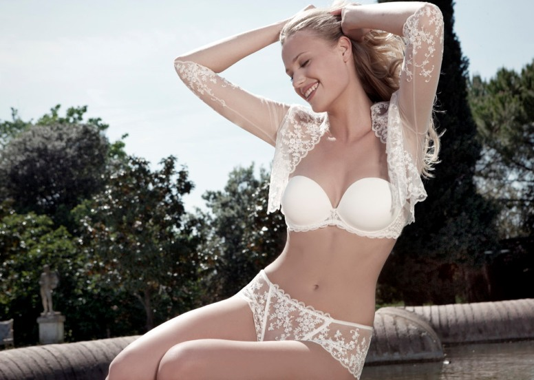 How to choose a wedding bra according to the size of the breast?