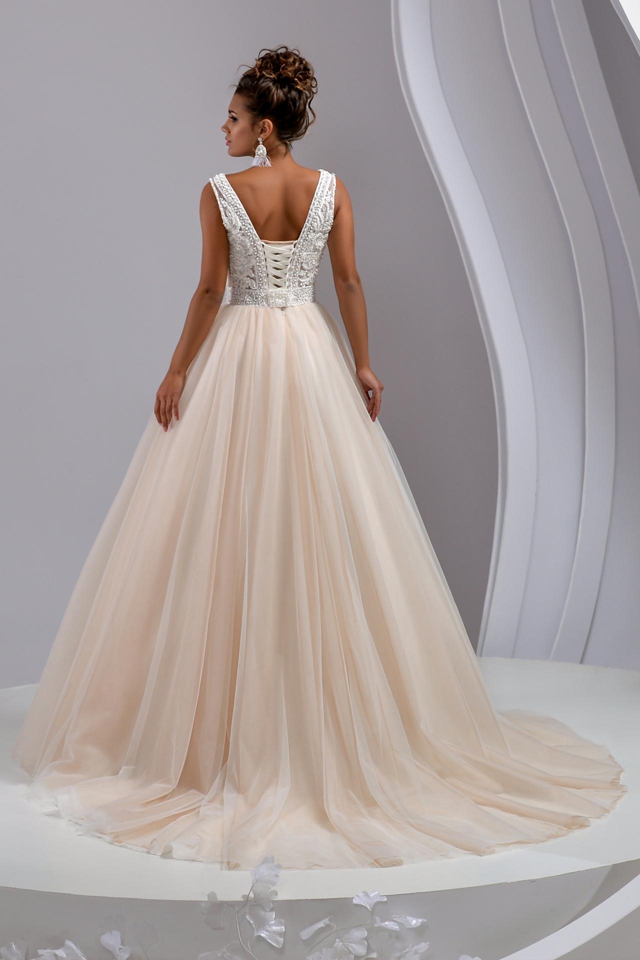 Kaufen Bella Hochzeitskleid - Traditionelles Kleid mit freiem