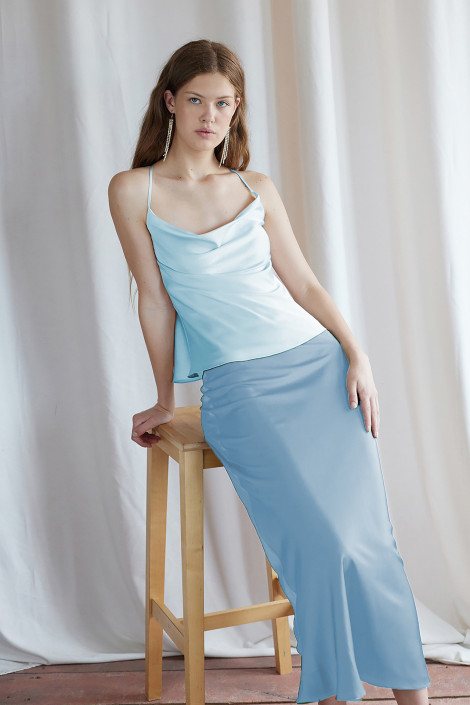 Top Claire silk blue bell